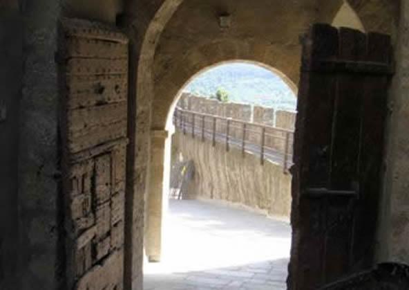Capalbio - the ancient door