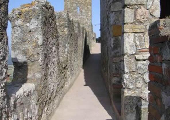 Capalbio - the walls
