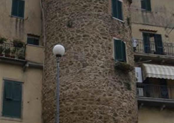 manciano - Torrione in via Trento