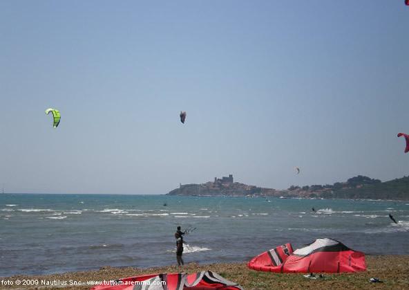Kite Surf nella baia di Talamone