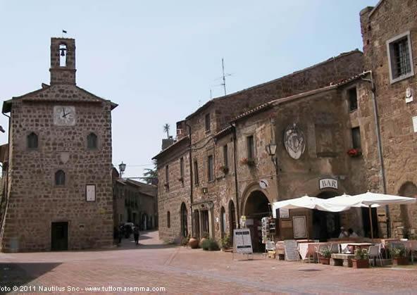 Sovana - Piazza del Pretorio