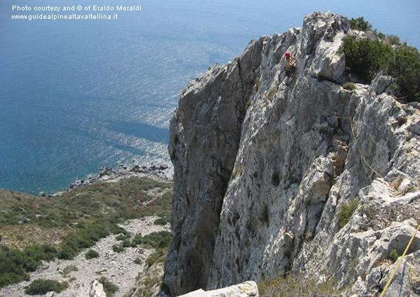 Falesia di Capo d'Omo e vie d'arrampicata