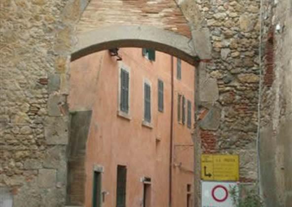 Pisana Door